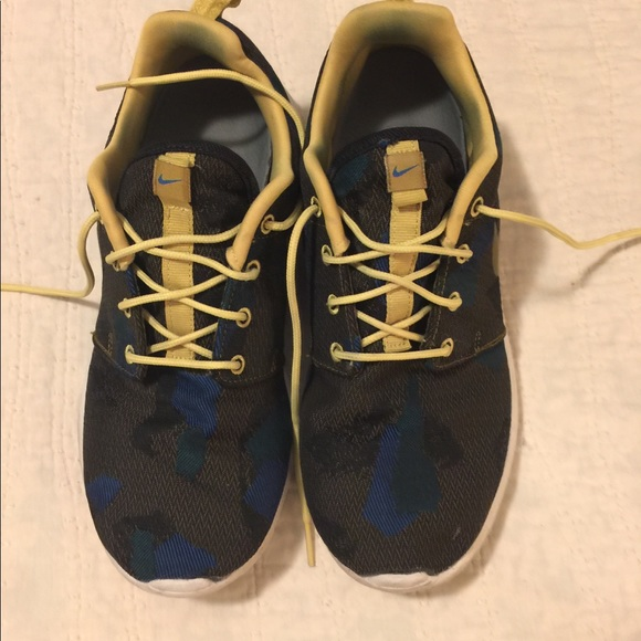 Nike Other - Nike Roshe Size 7 men's